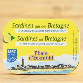 Sardinen mit Olivenöl und Zitrone
